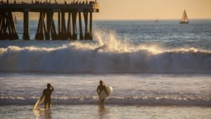 Swells roll past the Channel Islands into Venice Beach, where they break. Credit: Chris Goldberg/Flickr